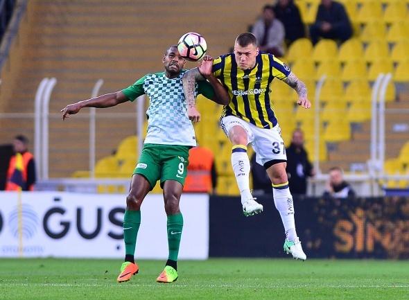 Fenerbahçe Kadıköy'de galip!