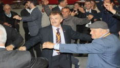 Uşaklı Sığır yetiştiricileri Ahmet Başkandan vazgeçmiyor.