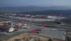 Highway AVMde dev Türk bayrakları görenleri büyüledi