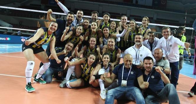 Vestel Venüs Sultanlar Ligi: Fenerbahçe: 3 - Eczacıbaşı VitrA: 1