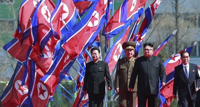 Kuzey Kore: ABDnin uçak gemisini vurmaya hazırız