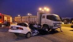 Kamyon ile otomobil çarpıştı: 1 ölü