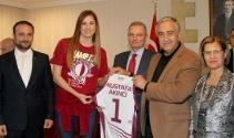 Eurocup Şampiyonu Yakın Doğu Üniversitesi, Cumhurbaşkanı Mustafa Akıncı tarafından kabul edildi