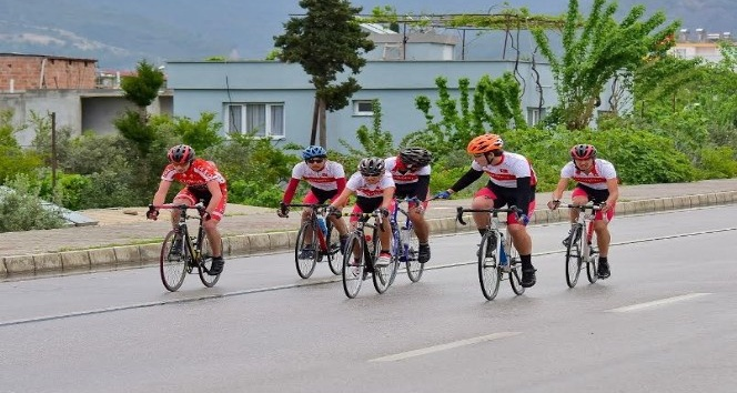 Osmaniyede okullararası bisiklet yarışları sona erdi