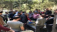 Trabzonsporlu taraftarlar Sefa Kalyanın mezarını ziyaret etti