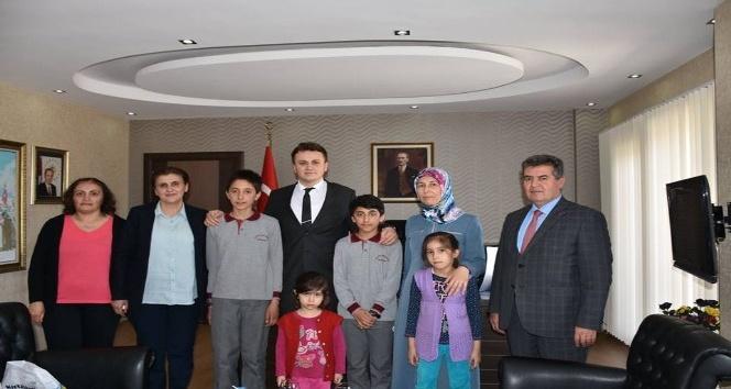 Buharkent'te kitap okuyanlar ödüllendirildi