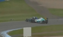 İngiltere'de Formula 4 yarışında korkutan kaza