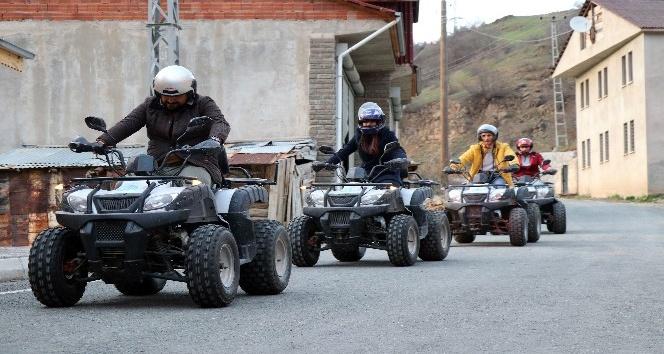 Develerle gezilen eski kervan yolunda şimdi ATVler ile gezecekler