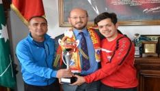 Başkan Özcandan şampiyon takıma teşekkür