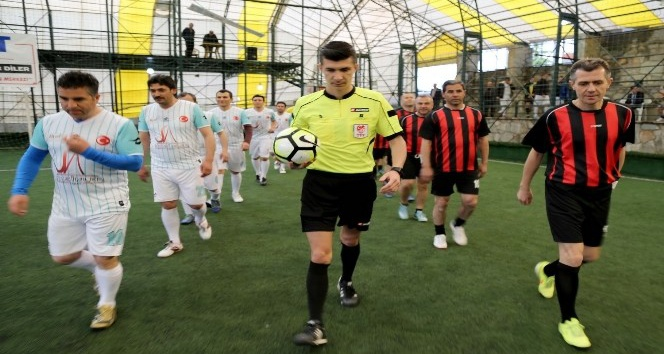 Uşakta kurumlar arası futbol turnuvası başladı