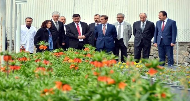 Vali Arslantaş, bahçe kültürleri araştırma enstitüsü müdürlüğünü ziyaret etti