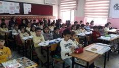 Öğrencilere gıda ve hijyen eğitimi veriliyor