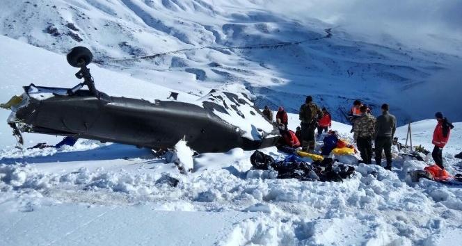 12 şehit verilen helikopterin enkazı yol açılınca kaldırılacak
