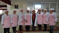 Sivasta Cem Vakfında aşçılık kursu açıldı