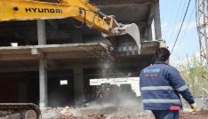 Kayapınarda kaçak yapılar yıkılıyor