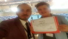 Genç öğrenci TÜBİTAKdan birincilik ödülü aldı
