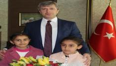 Vali Çınar koltuğunu çocuklara bıraktı