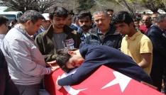 Şehit Demirin oğlu Mustafa Emir: Ben göreve gitme demiştim