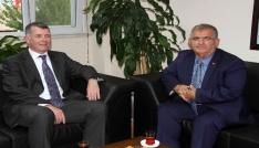 İngiltere Büyükelçisi Richard Mooredan Kaymakam Çalıka ziyaret