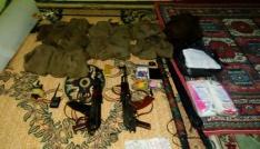 Silvanda camiye gizlenmiş silah ve mühimmat ele geçirildi