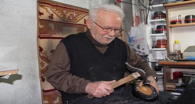 (Özel haber) 64 yıldır elleriyle ayakkabı yapıyor