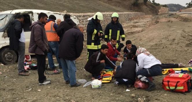 Denizlide araç takla attı: 1 ölü, 1i çocuk 2 yaralı