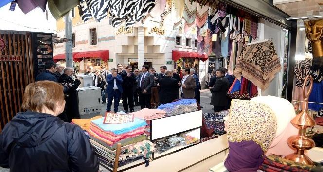 Bursa'da çarşılar dualarla açılıyor