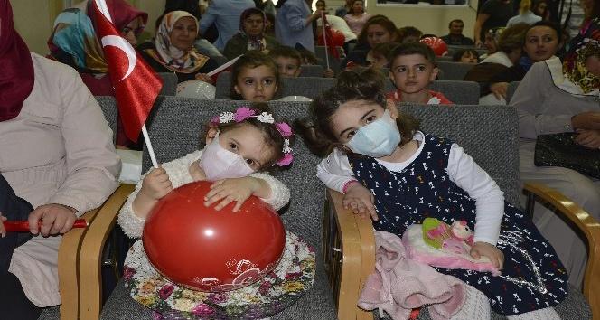 80 çocuk aileleriyle beraber 23 Nisan coşkusunu yaşadı