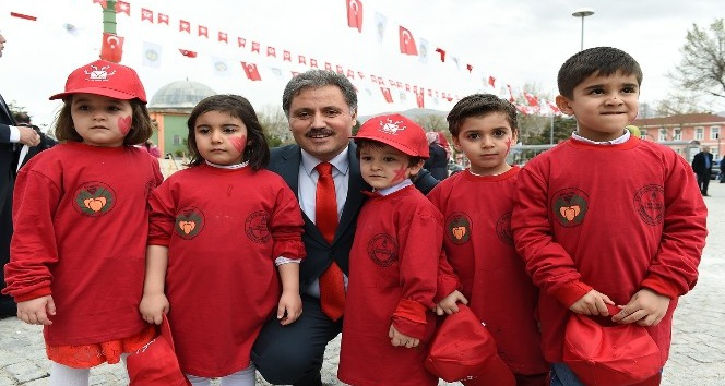 Başkan Çakır 23 Nisan'ı kutladı