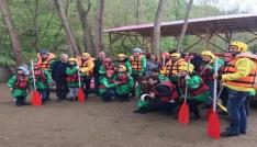 Hollandalı 23 Nisan çocukları Düzcede rafting yaptı