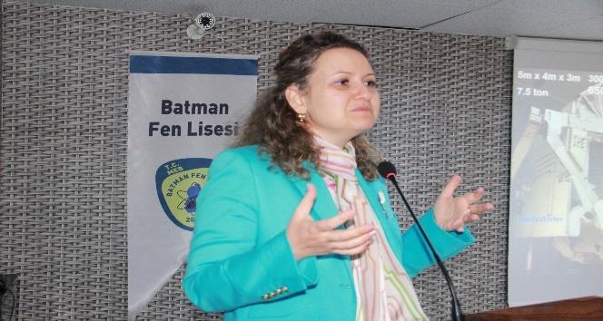 Batman'da 'Bir Evden Bulmacası' konferansı