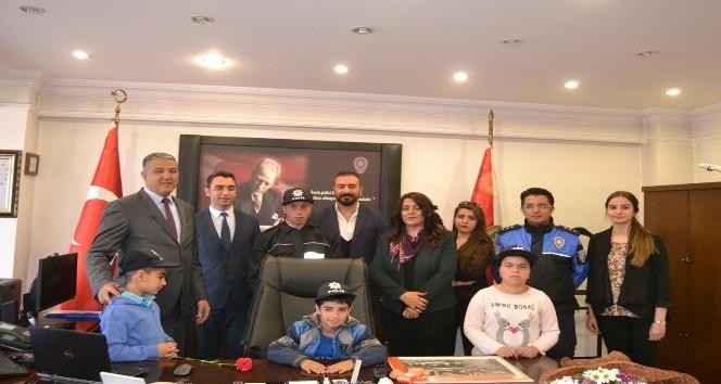 Tunceli'de engelli çocuklar, emniyet müdürünü ziyaret etti