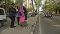 Diyarbakırda ağaçlar örgülerle süslendi