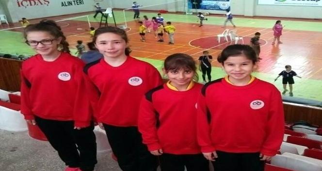 Tekirdağlı küçük badmintoncular Türkiye finallerinde