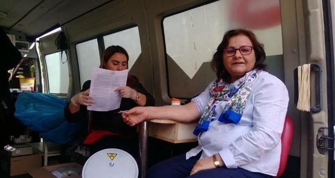 PTT personelinden kan bağışı