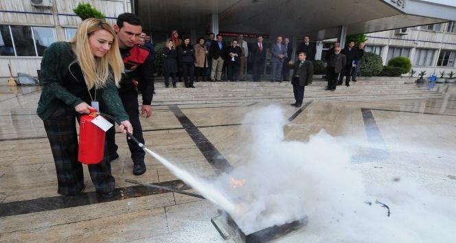 Büyükşehir Belediyesinde yangın tatbikatı