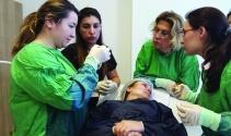 """YDÜ """"Kozmetik Dermatoloji Çalıştayı"""" Gerçekleştirildi"""