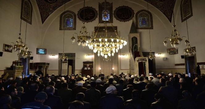Cuma namazı öncesinde Kur'an-ı Kerim ziyafeti