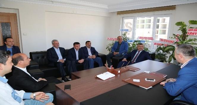 Başkan Akdoğandan siyasi parti ve STKlara teşekkür ziyareti