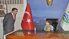 Gölbaşı Belediyesinde koltuklar koltuğunu çocuk başkan devretti