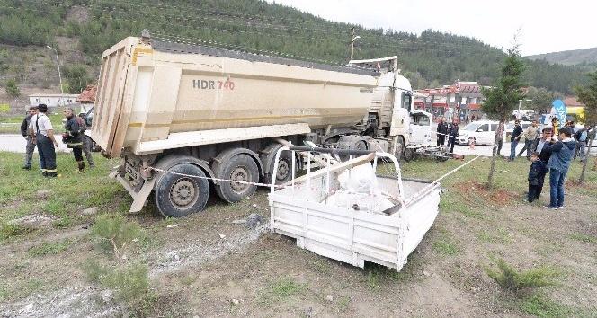Karabük'te trafik kazası: 1 ölü, 3 yaralı