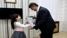 Rektör Polat, koltuğunu Ceylin Yılmaza devretti