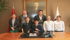 Öğrencilerden Başkan Kocadona ziyaret