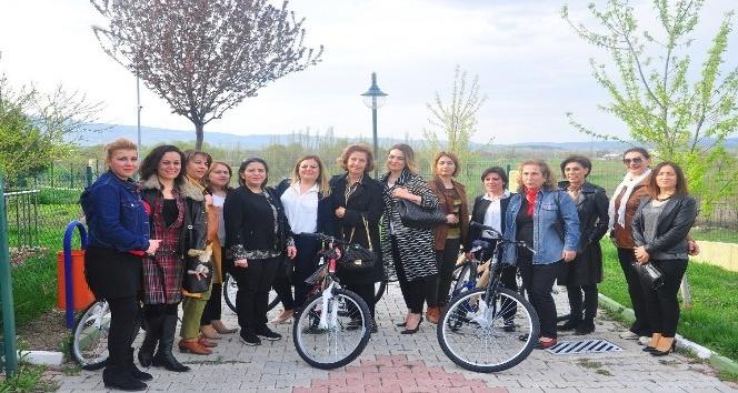 Kadın girişimciler çocuklarla bir araya geldi