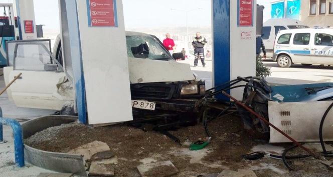 Freni boşalan araç petrol istasyonuna girdi: 6 yaralı