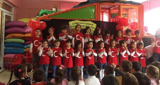 Minik öğrenciler 23 Nisanı kutladı