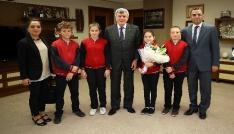 Başkan Karaosmanoğlu: 23 Nisan bir zafer kutlaması, yeniden diriliştir