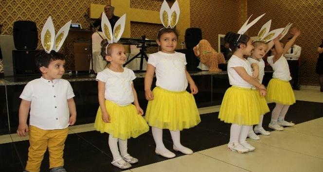 İşitme engellilerin 23 Nisan performansı ilgi gördü