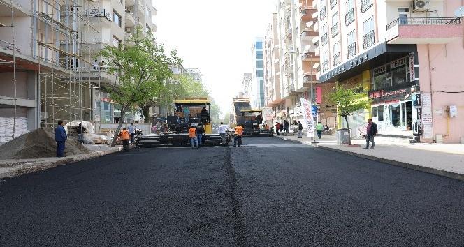 Diyarbakırda asfalt çalışmaları sürüyor