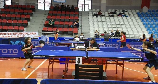 Tokatta masa tenisi en iyi 12ler şampiyonası başladı